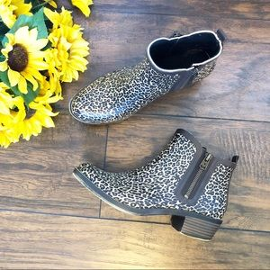 HP Lucky Brand Cheetah Baselrain Short Booties